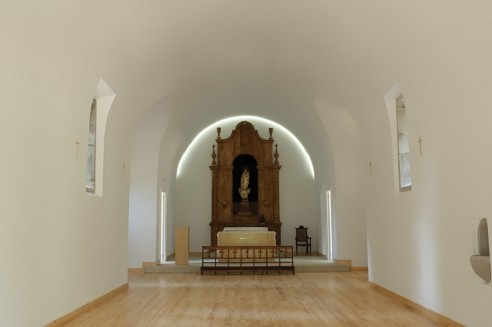 capela_08_grande_1243844667528e46d03a87f.jpg